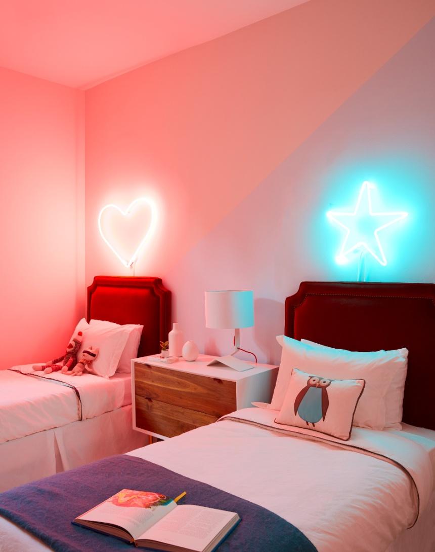 Headboard-neon-lights-in-childrens-room